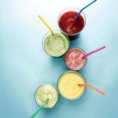 5 Smoothies under 300 calories! Pimp Your Smoothie: Low-Calorie Smoothie Recipes Photo by: Travis Rathbone Low Calorie Smoothie Recipes, Easy Smoothies, Breakfast Smoothies, Fruit Smoothies, Breakfast Recipes, Juice Smoothie, Smoothie Drinks, Mojito, Tequila