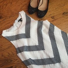 Ann Taylor diagonal black white dress size 2 Size 2 dress from Ann Taylor, excellent condition! Ann Taylor Dresses Midi