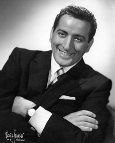 Wishing a happy 88th birthday today to Tony Bennett! He was born 8-3 in 1926. Tony has been singing to most of us all our lives and is still cutting the airs today with his wonderful voice. 1962 he cut his signature song 'I Left My Heart In San Francisco'