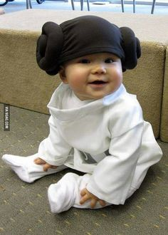 Too Funny! Kids halloween costume, princess Leia from Star Wars So Cute Baby, Cool Baby, Baby Kind, Cute Kids, Cute Babies, Baby Baby, Funny Kids, Halloween Bebes, Baby First Halloween