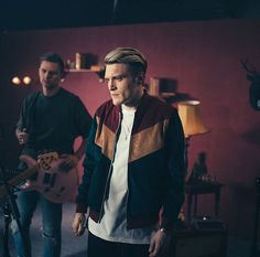 Neck Deep: Parachute - Behind the Scenes Pop Punk Bands, Forgetting The Past, Neck Deep, Common People, Emo Boys, Shaggy, Music Is Life, Beautiful Men, Bb
