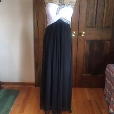 """💗💗 FINAL MARKDOWN 💗💗 BEAUTIFUL formal gown Beautiful black/white prom gown with jeweled top - strapless with padded bra. Flows gorgeously. Very comfortable. Worn once.  Waist to floor approx 39"""". Been altered to petit length (to fit height 5' 2""""). Excellent  condition. Blondie Dresses Prom"""