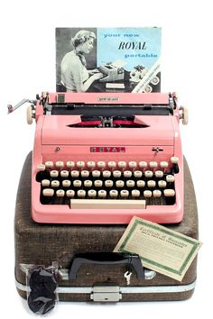1957 Pink Royal Quiet DeLuxe Typewriter with Original Case and Manual / Vintage Metal Ribbon Spools / Extra Ribbon Royal Typewriter, Antique Typewriter, Vintage Love, Vintage Pink, Vintage Romance, Vintage Items, Glossier Pink, Vintage Typewriters, Tecno