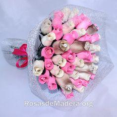 #Ramo compuesto por 50 rosas:  23 rosas blancas, 22 rosas rosas, y 5 rosas grandes de color blanco y  dorado, en cada una de las rosas grandes hay un alfiler con cristal de diamante. Es un ramo precioso, decorado al detalle. #ramosflores #decoracion #ramonovia #ramoinvitadas #bodas  http://www.rosasdemadera.org/producto/ramo-de-rosas-fantasia/