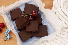 13 meggyes édesség, ami még a legelszántabb diétázót is elcsábítja! Izu, Sweets, Candy, Make It Yourself, Chocolate, Baking, Recipes, Food, Tube