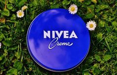 Everyone's skin needs a little extra care, and NIVEA Creme provides that and more. Enriched with Pro The Body Shop, Creme Anti Age, Baby Acne, Acne Cream, Pimple Cream, Tips Belleza, Dose, Acne Scars, Skin Treatments