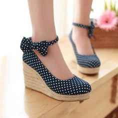 Buy '77Queen – Bow-Accent Dotted Denim Espadrille Wedges' with Free International Shipping at YesStyle.com. Browse and shop for thousands of Asian fashion items from China and more!