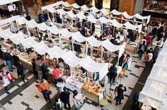 Tent Design, Booth Design, Food Court Design, Farmers Market Display, Plaza Design, Inside Shop, Market Stands, Craft Fair Displays, Bazaar Ideas