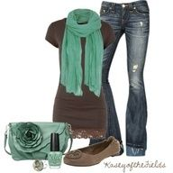 I like the colors of this outfit a lot. The lighter green looks good with the dark brown.