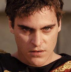 Joaquin Phoenix as Emperor Commodus in Ridley Scott's 'Gladiator'. Hot Actors, Actors & Actresses, Kim Basinger Now, I Need A Boyfriend, Best Picture Winners, Joker Dc, Cinema, River Phoenix, Movies