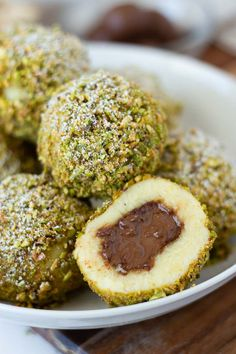 Try these Sweet Austrian Semolina Dumplings filled with Nutella and coated with pistachios. A healthy sugar-free spin on an authentic Austrian dessert. Low Carb Dinner Recipes, Healthy Dessert Recipes, Brunch Recipes, Sweet Recipes, Breakfast Recipes, Austrian Desserts, Austrian Recipes, German Recipes, Sugar Free Nutella