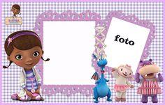 Para hacer invitaciones, tarjetas, marcos de fotos o etiquetas de Doctora Juguetes.