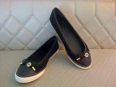 Comfortable sneakers suitable for travelling and daily uses. Tory Burch Caruso sneakers  Black size 6.5 Navy size 7