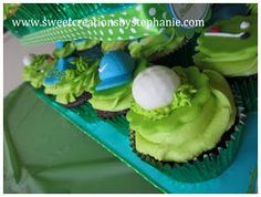 Golfing cupcakes Golf Cupcakes, Party Ideas, Sweets, Baking, Desserts, Food, Tailgate Desserts, Deserts, Gummi Candy