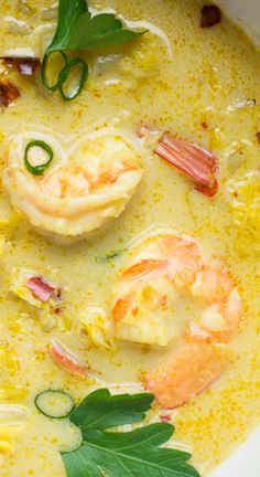 Thai Coconut Shrimp Soup Thai Coconut Shrimp Soup ~ This soup, with flavors of creamy coconut, spicy red chilis and a bit of curry, finds balance with citrusy lemongrass and lime. The end result is delicious. Greek Recipes, Thai Recipes, Seafood Recipes, Asian Recipes, Cooking Recipes, Healthy Recipes, Healthy Soup, Dinner Recipes, Dessert Recipes