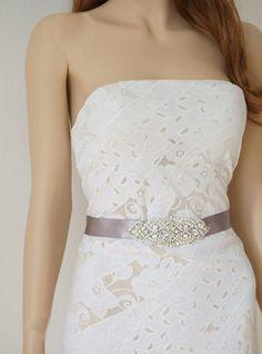 Brautgürtel Strass-Perlen Applikation, Satin von Elizabethmode auf DaWanda.com