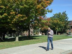 Chasing College: Visiting Campus Faux Pas - No Cell Phones!! #VisitingCampus #College #Visit