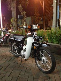 Honda C700 / Super Cub