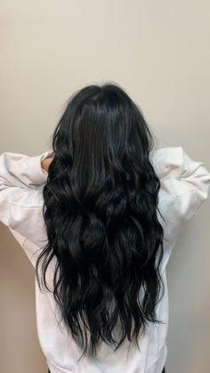 Black Hair Curls, Black Brown Hair, Hair Color For Black Hair, Black Colored Hair, Dying Hair Black, Black Hair With Lowlights, Black Hair Layers, Black Hair Video, Medium Black Hair