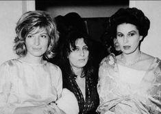 Three goddesses meet (probably backstage when Magnani was doing Medea): Monica Vitti, Anna Magnani, Silvana Mangano. Hollywood, Anna Magnani, Divas, Pier Paolo Pasolini, Italian Models, Italian Actress, Cinema Movies, Great Films, Sophia Loren