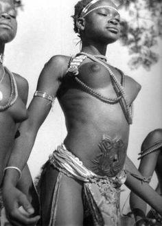 Africa   Guinea Bissau - Circa 1940    Photographer unknown