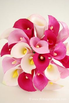 DK Designs: Varying Shades of Pink - A Calla Lily Bouquet Beautiful Flowers Garden, Exotic Flowers, Amazing Flowers, Pretty Flowers, Calla Lily Flowers, Calla Lily Bouquet, Calla Lillies, Clay Flowers, Lys Calla