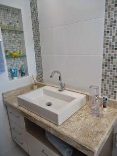 Bathroom Apartment Tutorials Ideas For 2019 Modern Bathtub, Modern Vanity, Modern Bathroom, New Bathroom Ideas, Bathroom Design Small, Bathroom Interior Design, Homer Decor, Bathtub Shower Combo, Toilette Design