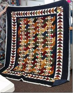 Old Tobacco Road, from the old mystery section at the bottom of the free patterns tab quiltville. Amish Quilts, Scrappy Quilts, Primitive Quilts, Fall Quilts, Quilting Projects, Quilting Designs, Quilt Design, Flying Geese Quilt, Pinwheel Quilt