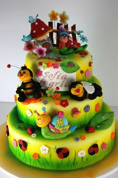 Frank Frank Matheny i thought you might like this to. if i did this id replace the bees with ladybugs lol Bee Cakes, Girl Cakes, Fondant Cakes, Cupcake Cakes, Crazy Cakes, Fancy Cakes, Bug Birthday Cakes, Garden Cakes, Just Cakes
