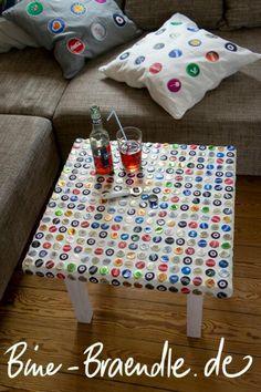 Bottle cap table by Bine Brändle :-) - Mosaic - 2019 Beer Cap Table, Bottle Cap Table, Beer Bottle Caps, Bottle Cap Art, Bottle Top, Diy Bottle, Bottle Cap Projects, Bottle Cap Crafts, Beer Cap Crafts