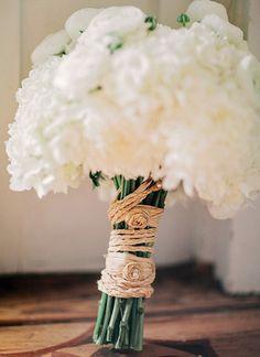 white bouquet with a raffia wrap   Amy Arrington #wedding