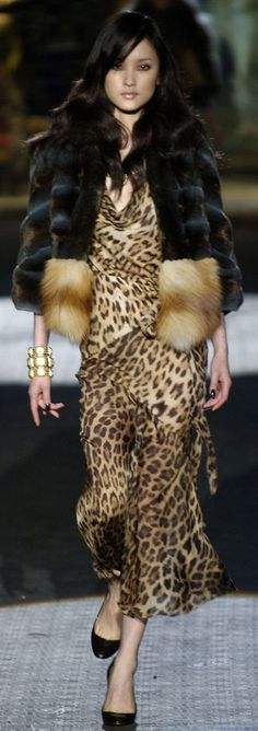 Roberto Cavalli Seguici diventa nostra fan ed entrerai nel mondo fantastico del Glamour !!!  Shoe shoes scarpe bags bag borse fashion chic luxury street style moda donna moda uomo wedding planner  hair man Hair woman  outfit time watch