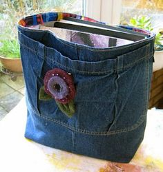 recycled jeans = basket.....I've got quite a few pairs of jeans that could be used for this!!