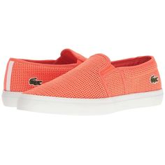 Lacoste Gazon 217 2 (Light Orange) Women's Shoes (1.206.140 IDR) ❤ liked on Polyvore featuring shoes, lacoste, breathable shoes, slip-on shoes, pull on shoes and round cap
