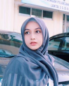 Setahunbaru: Happy Hijab Girl Has a Love Casual Hijab Outfit, Hijab Chic, Beautiful Muslim Women, Beautiful Hijab, Hijab Trends, Face Photography, How To Make Shorts, Hijab Fashion, Nova