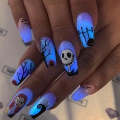 Scenery isn't, however, the only choice you have when it has to do with tropical nails. Working with the all-natural shape of your nails is a far simpler approach to approach nail art. Nice nails are extremely important decoration of hands. Holloween Nails, Cute Halloween Nails, Halloween Acrylic Nails, Fall Acrylic Nails, Scary Halloween, Mickey Halloween, Autumn Nails, Costume Halloween, Fall Halloween