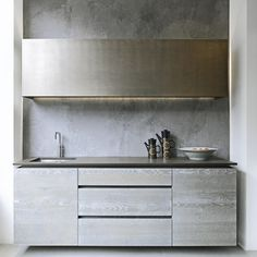 Looking for grey kitchen ideas? If you're looking for an alternative to white kitchen units, you can't go wrong with grey cabinetry and grey kitchen tiles Grey Kitchen Tiles, Grey Kitchen Designs, Grey Kitchens, Kitchen Units, New Kitchen, Kitchen Decor, Kitchen Ideas, Kitchen Cabinets, Home Renovation