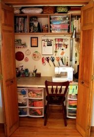 40 Best Small Craft Room and Sewing Room Design Ideas On a Budget 51 - DecoRequired - Craft room storage - Nähen Small Sewing Space, Sewing Spaces, Sewing Room Organization, Craft Room Storage, Organization Ideas, Table Storage, Bag Storage, Office Storage, Bedroom Storage