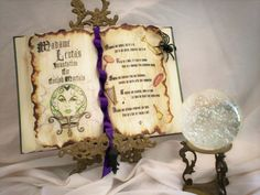 Wiccan Book of Shadows. Halloween Cakes, Halloween 2019, Halloween Decorations, Halloween Party, Halloween Spell Book, Halloween Spells, Wiccan Books, Candle Spells, Practical Magic