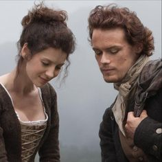 Claire & Jamie in the new Starz production of Outlander. Is it possible to love the movie production of your favorite book? We'll see! Coming in 2014