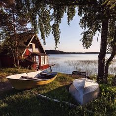 Summer in Sweden Sommer in Schweden - Creative Vans Sweden Travel, Cabins In The Woods, Lake Life, Architecture, Countryside, Places To Go, Beautiful Places, Instagram, Exterior