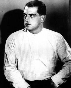 El genio Luis Buñuel falleció #TalDiaComoHoy hace 33 años