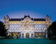 Four Seasons Hotel Gresham Palace – Budapest, Hungary - See more at: https://www.dwtltd.com/blog/2015/09/18/best-hotels-to-stay-in-europe#sthash.GyQ4tftc.dpuf