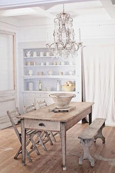 rustic dining | Dreamy Whites