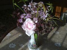 #Букет из дачных цветов  #Bouquet from country flowers  #Роза, #кислица, #душица, #котовник и... дикий виноград