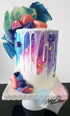 64 Yummy And Trendy Drip Wedding Cakes | HappyWedd.com #PinoftheDay #Yummy #Trendy #Drip #WeddingCakes