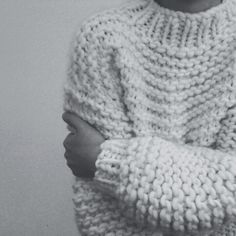 Use cotton, plant based or recycled yarn. ♥ chunky knitted cream pullover idea in garter stitch perfect in the chunky singles Moda Crochet, Knit Crochet, Crochet Granny, Crochet Jumper, Knitting Projects, Knitting Patterns, Sweater Patterns, Knitting Tutorials, Stitch Patterns