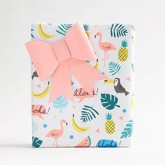 Exclusively from Meri Meri, this wrapping paper sheet is double sided; featuring tropical icons on one side, and a fresh solid coral on the other. Pair with our Meri Meri tropical sticker pack for a f