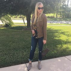 A casual spin on the @cabiclothing Penny Blazer. Such a cute menswear piece made more feminine! Paired with the Daisy Blouse and Destructed Skinny. Boots are my new favorites from Jack Rogers! What are you loving for Fall this season?