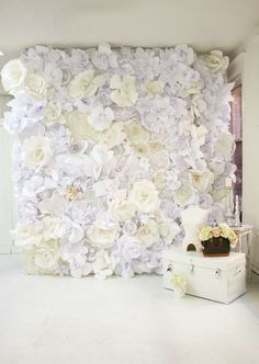 Flowerwall - white tones